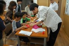 •2013年7月14日八事教会教会学校合同分級-科学手品2