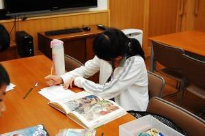 日本キリスト改革派八事教会 教会学校合同分級『かがみのしかけ絵本モーセものがたり作り』3